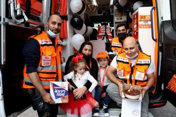 חגגו יום הולדת באותו אמבולנס שבו יולדו באשדוד